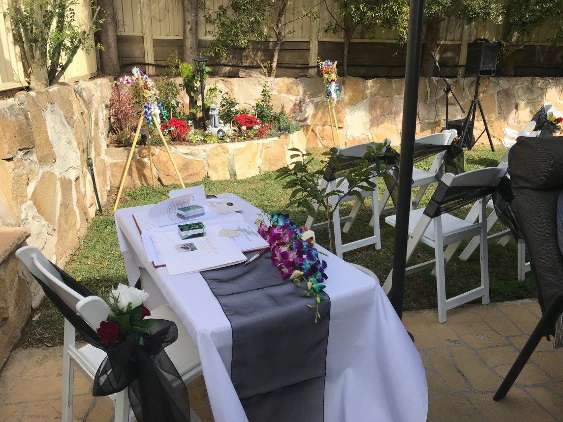 Beautiful and Simple Backyard Ceremony in Glenwood